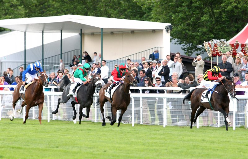ELUSIVE KATE winning the G1 Prix Rothschild, defeating GOLDEN LILAC, July 29th, 2012